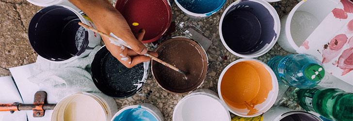 Dags att måla om tapeterna i hemmet eller behöver badrummet renoveras? Med ett renoveringslån kan du förverkliga både små och stora renoveringsplaner.